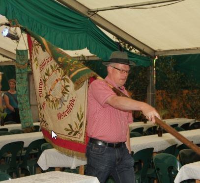 Mehr als 500 Schützen und ihre Gäste hat der Frühschoppen im Zelt der Ostenfelder Bürgerschützen am Montag gut unterhalten.