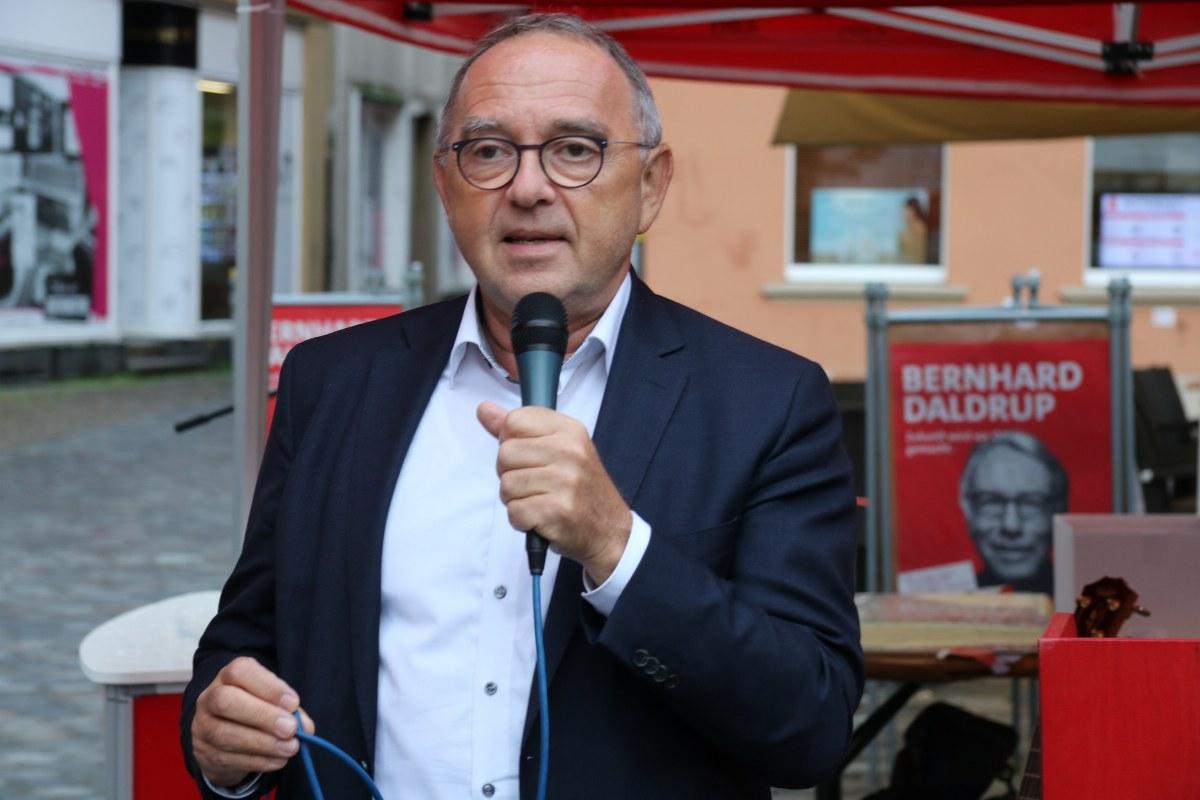 SPD-Chef Norbert Walter-Borjans im Bundestagswahlkampf 2021 in Warendorf.