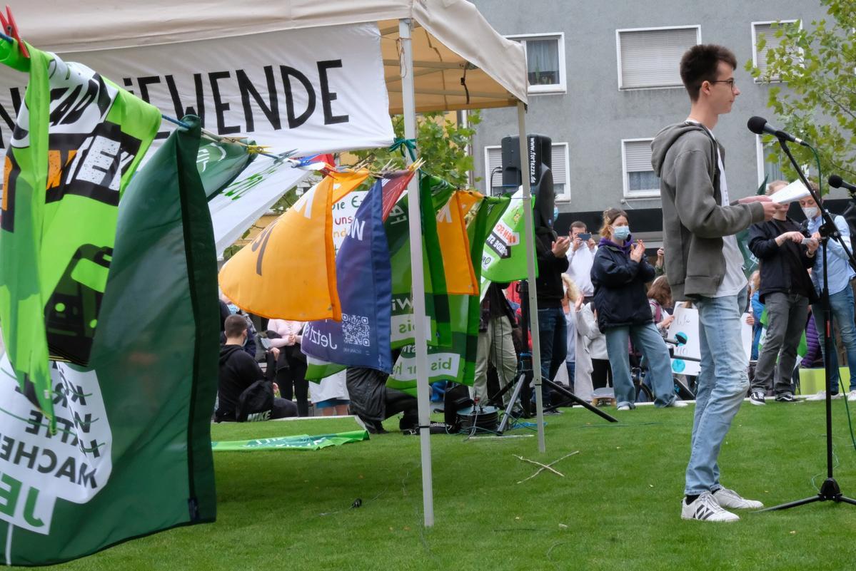 Klimastreik in Gütersloh vor dem Rathaus Foto: Dinkels