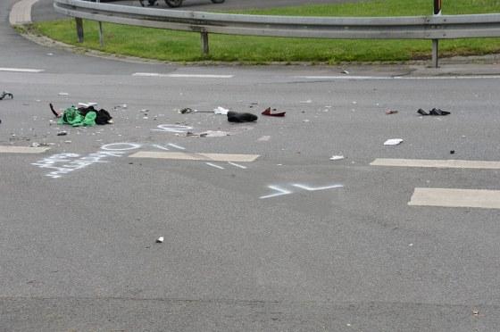 Ein schwerer Unfall hat sich am Freitagmittag auf der Haller Straße in Greffen ereignet. Dabei ist ein 16-jähriger Rollerfahrer lebensgefährlich verletzt worden.
