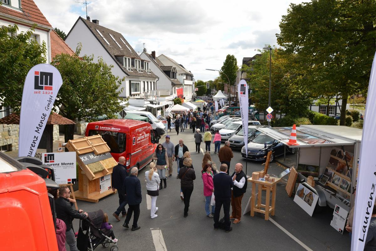 In Ennigerloh herrscht ab sofort Ausnahmezustand. Vier Tage lang bestimmt der Mettwurstmarkt das Geschehen in der Drubbelstadt – und alle machen mit.