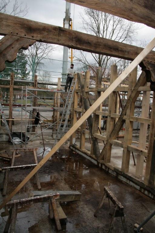 Das Marienfelder Bürgrhaus, das derzeit an der Klosterstraße errichtet wird, nimmt Formen an. Am 18. März wird bereits Richtfest gefeiert.