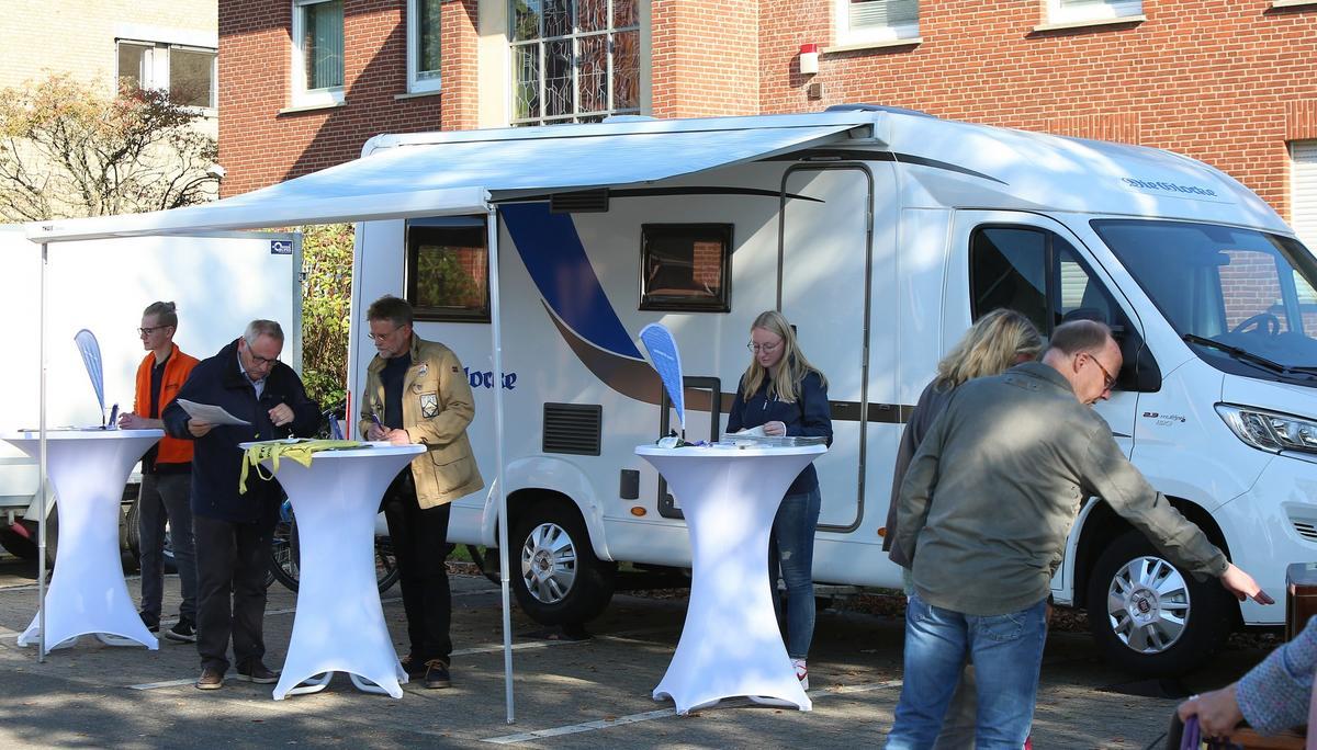 """Das """"Haus der Vereine"""" war Thema am Glocke-Mobil beim Freckenhorster Herbst2021. Foto: Gabi Wild"""