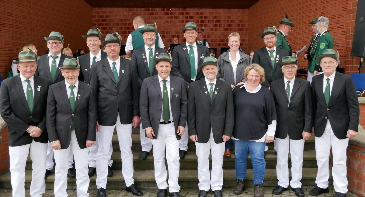 Die für 25 und 50 Jahre Mitgliedschaft Geehrten des Vorjahres Foto: Rieder